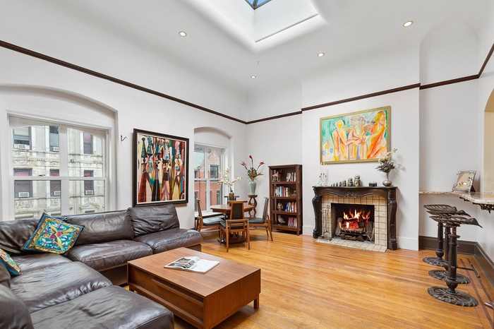Your Dream Townhouse - Private Rooftop Penthouse Loft RARELY seen - 3 Skylights 2 Wood Fireplaces in Heart of Gramercy Park Stuyvesant Square
