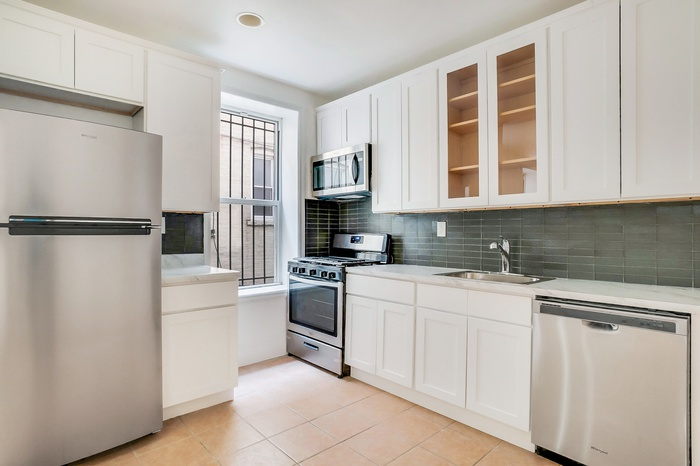 Gut Renovated  4 Bed / 1.5 Bath Apt w/ Washer Dryer in Crown Heights