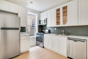 Gut Renovated 4 Bed / 1.5 Bath Apt with Washer Dryer in Crown Heights